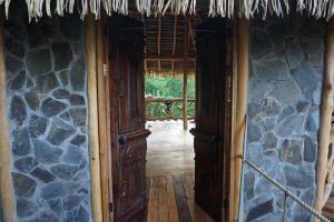 Casa Contiki entry way